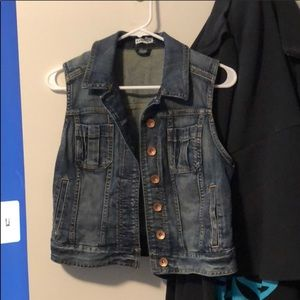 Cropped blue jean jacket vest - like new